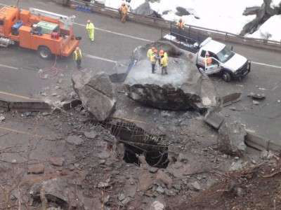 Colorado DOT working to reopen I-70 after rockslide