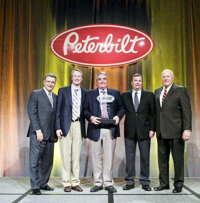 Peterbilt presents awards at annual dealer meeting for May motors springfield mo