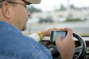 SmartDrive analysis shows risks of distracted truck driving
