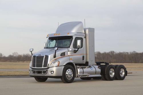 \Freightliner partnered with Cummins Westport to offer the ISX12 G heavy-duty natural gas engine in the Cascadia 113 Day Cab.