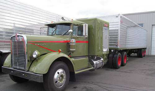 Trucking Jobs Calgary >> Trucking familes restore old Kenworths as homage to industry they love
