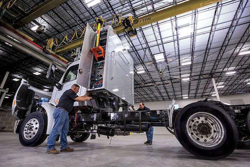 Rush Enterprises bringing new CNG fueling system to market