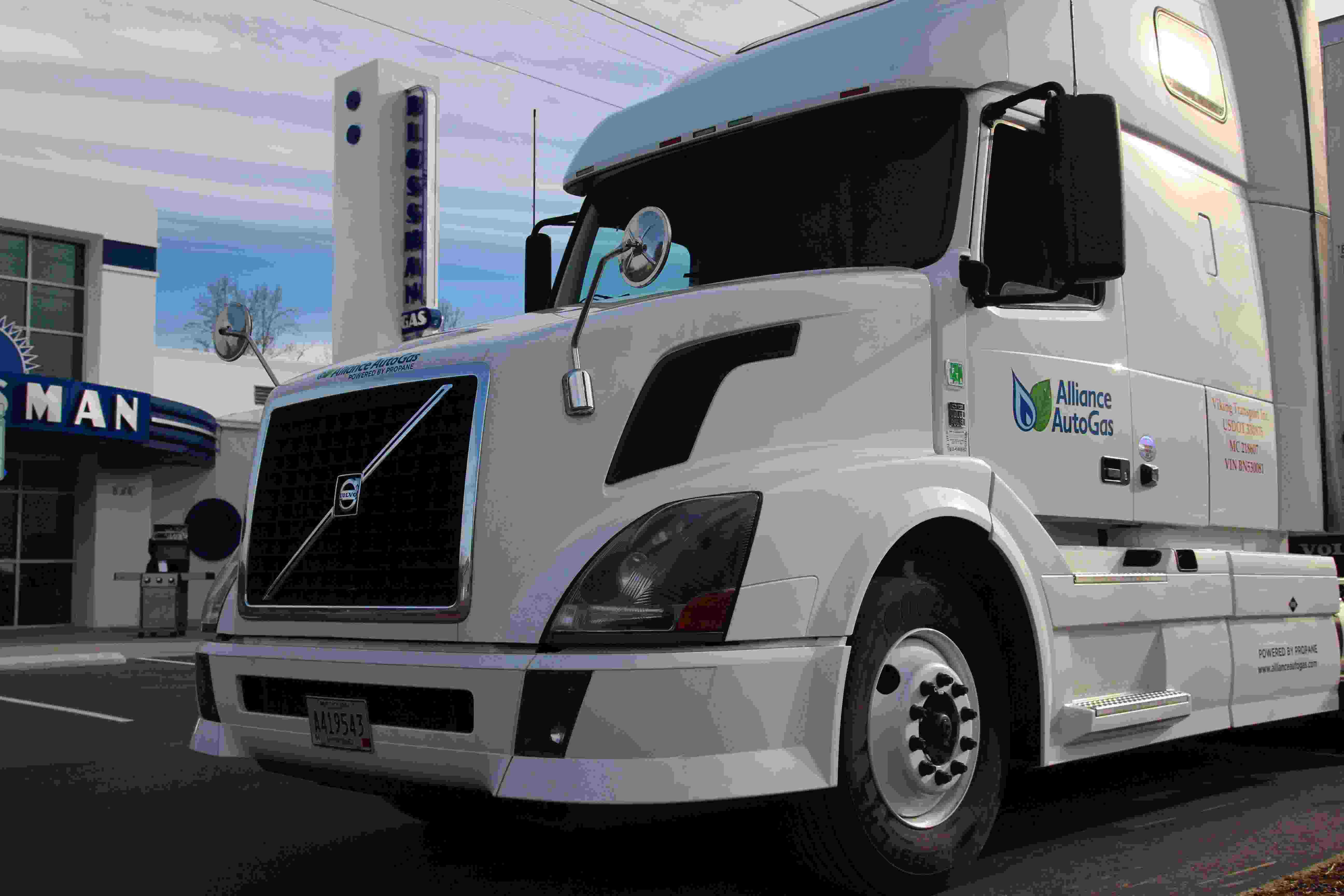Alliance Autogas Unveils Propane Bi Fuel System For Volvo D13 Mack Mp8 Freight Truck Pump Diesel Displacment