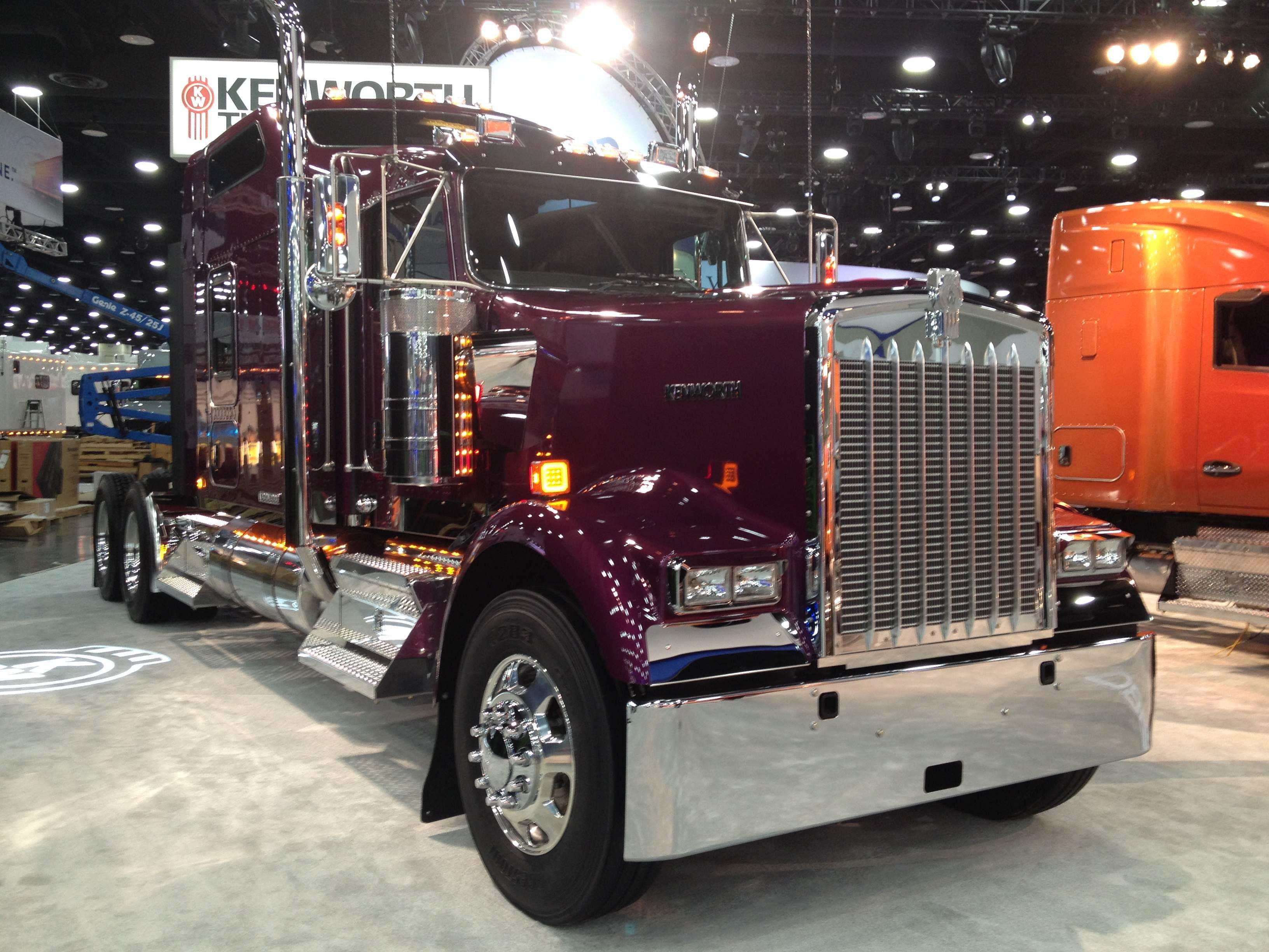 Test Drive Kenworth Gives Its Old School W900 The
