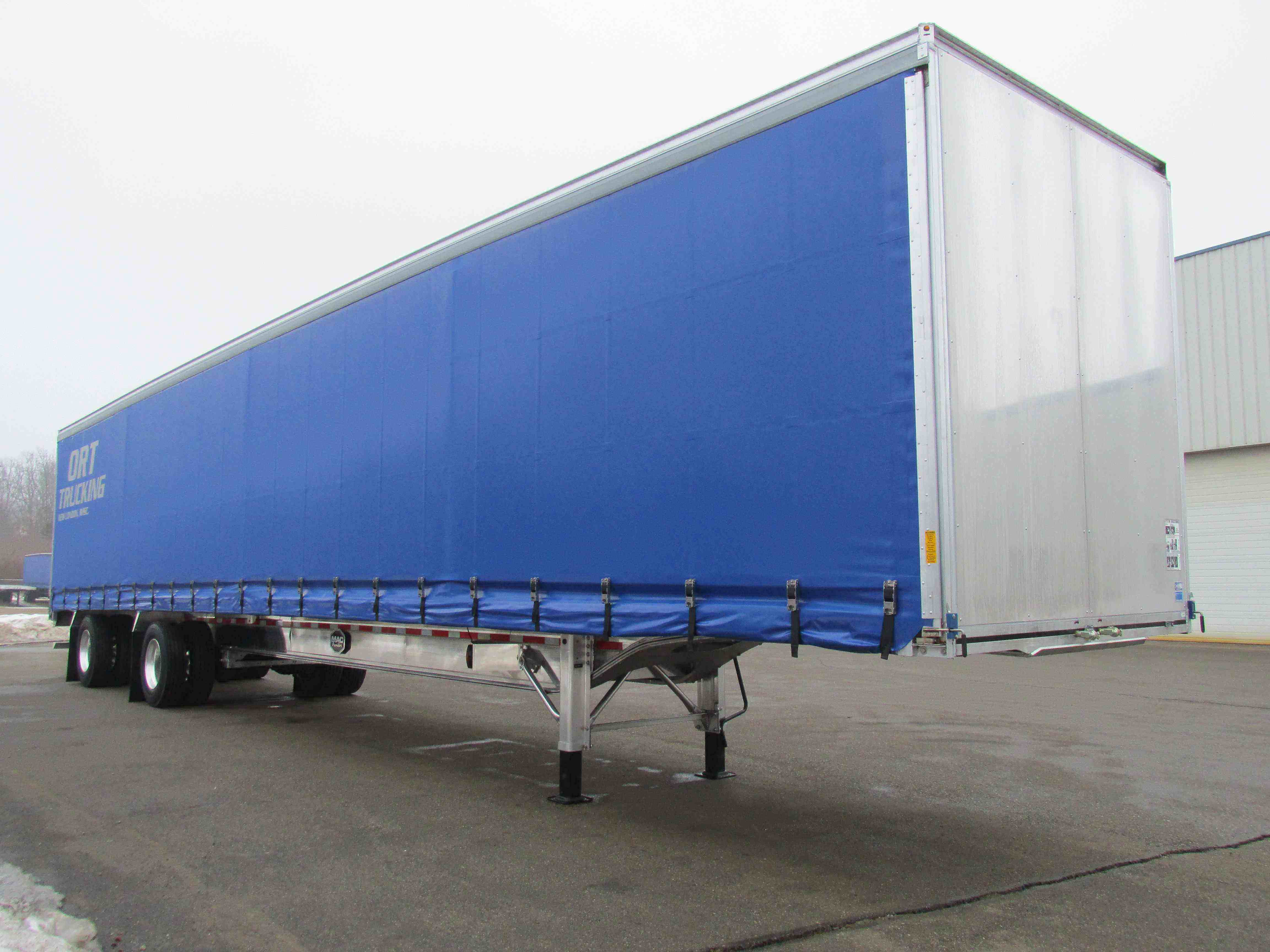 Mac Trailer Lo-Pro Elite Flatbed With Curtainside
