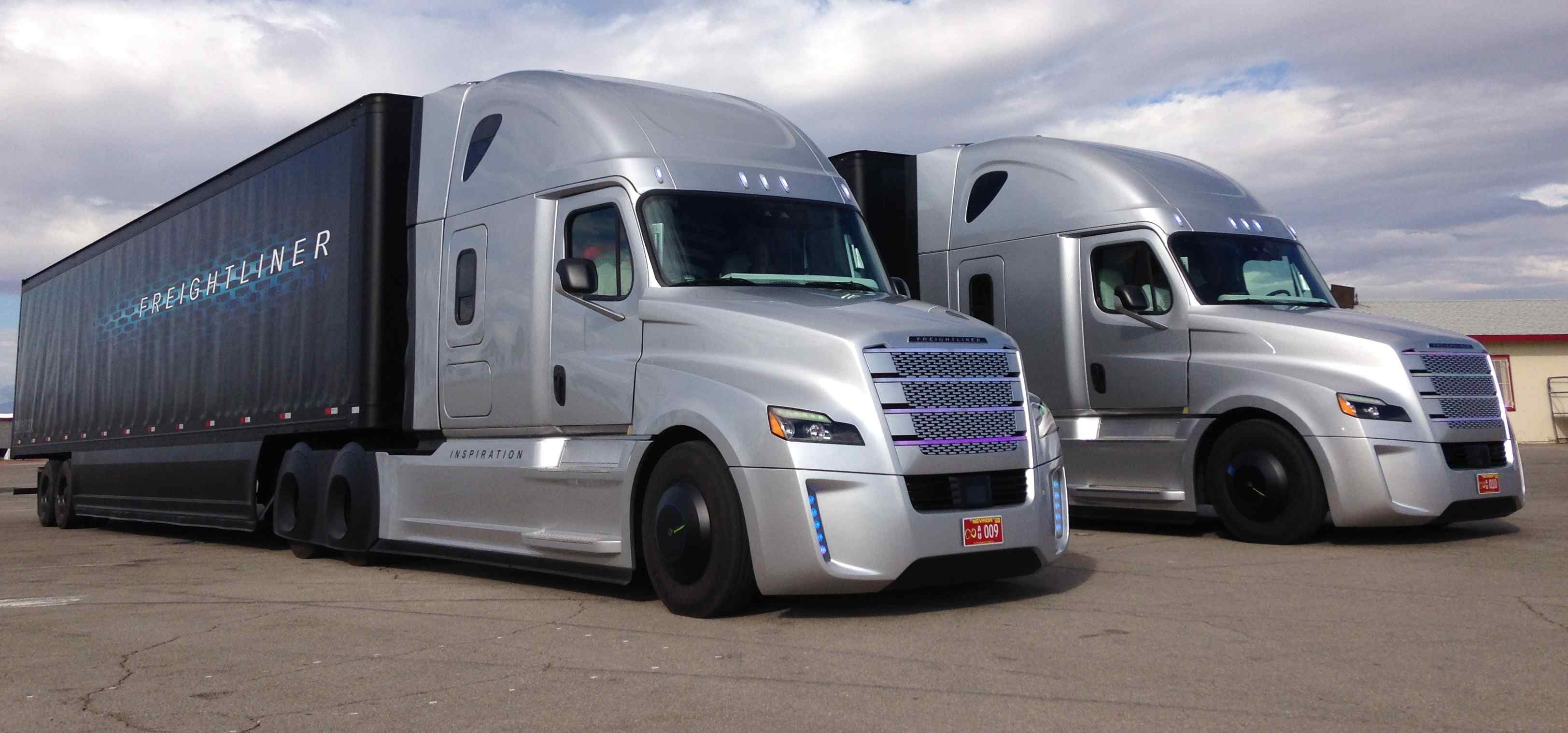 behind the wheel of freightliner s inspiration autonomous