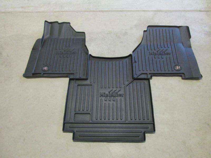 Minimizer S Freightliner Floor Mats