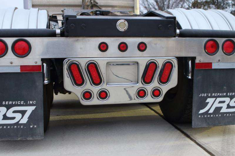 Minimizer Rear Center Light Panel