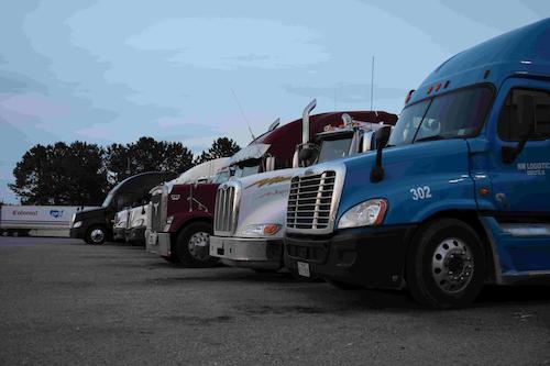 truckstop truck stop hours of service evening parking hos fuel island20160526_0045