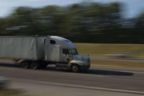 hours-highway-truck20070427_0156