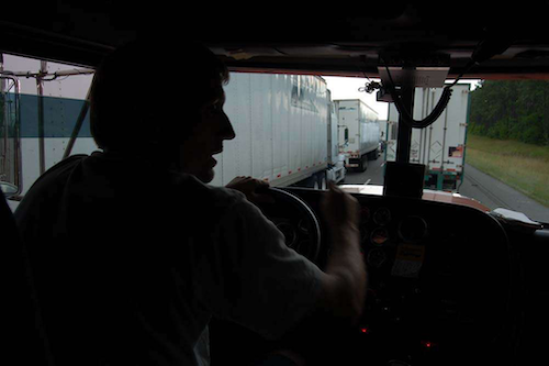 Indicators: Driver turnover rates continue to fall, e-commerce spurs freight