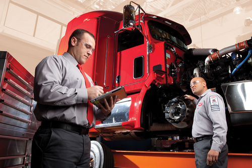 The fleet portal for Peterbilt's SmartLINQ Service Management system will be available in summer 2017.