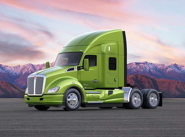 The T680 Advantage configuration features an optimized MX 13 or MX11 engine and Paccar's new axle.