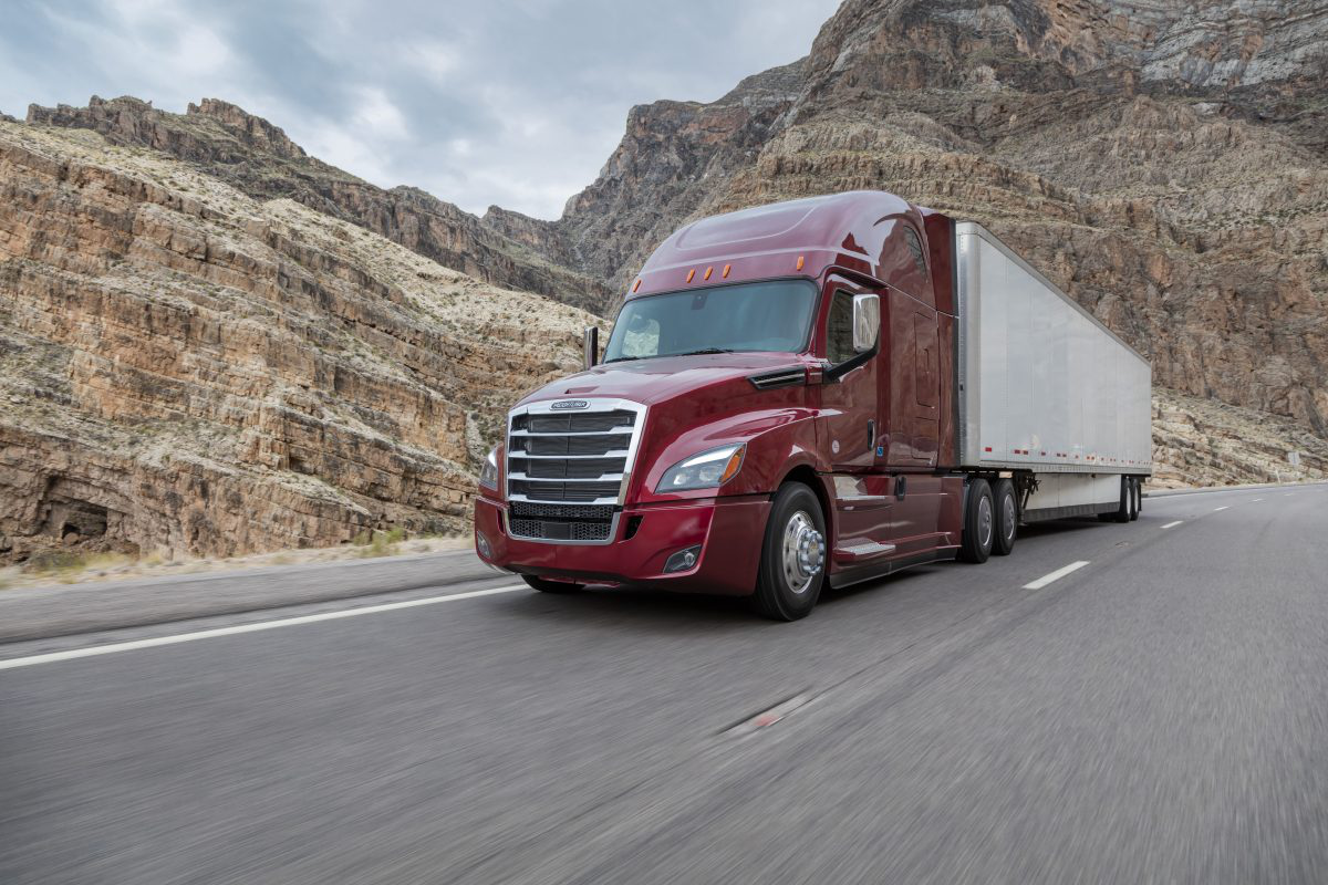DTNA recalling more than 18,000 Freightliner Cascadia trucks