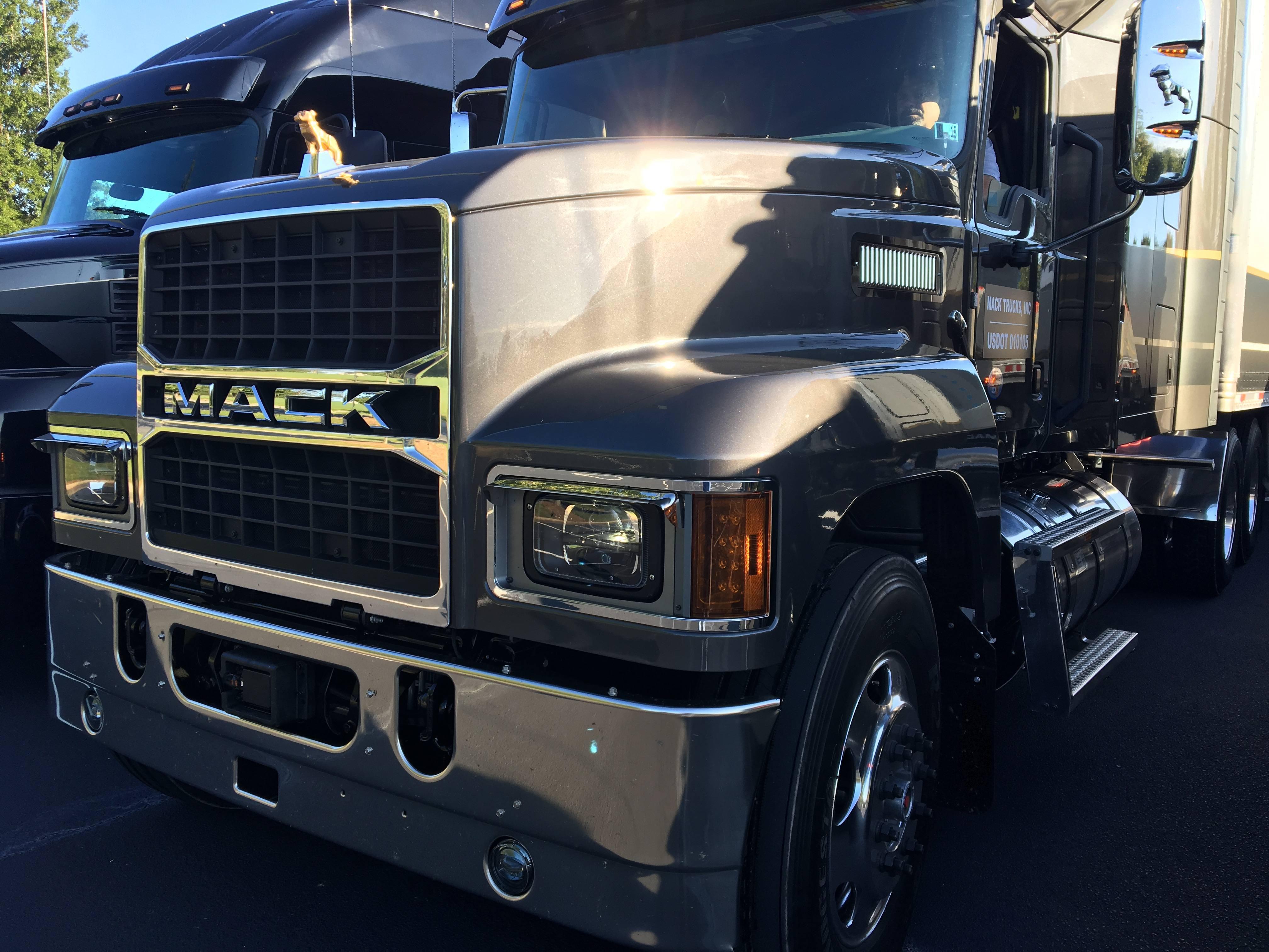 Mack Trucks Pinnacle Model Semi-Truck
