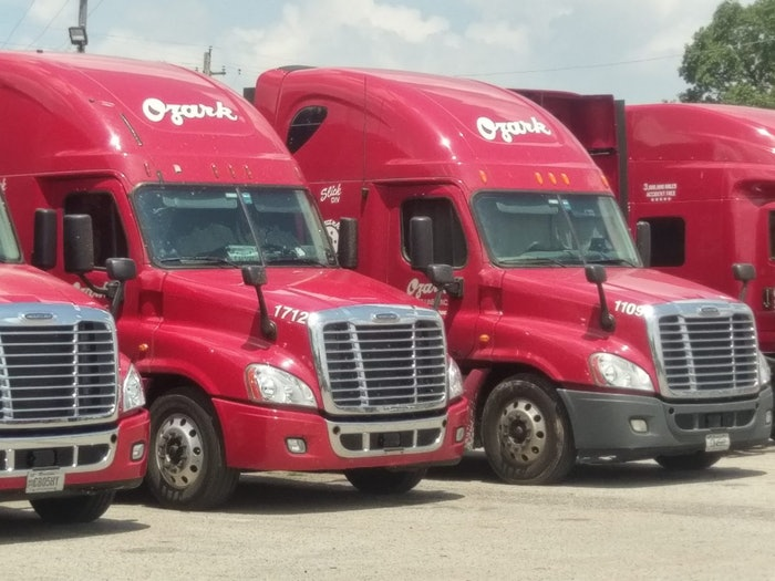 Ozark-trucks-2017-10-18-09-50
