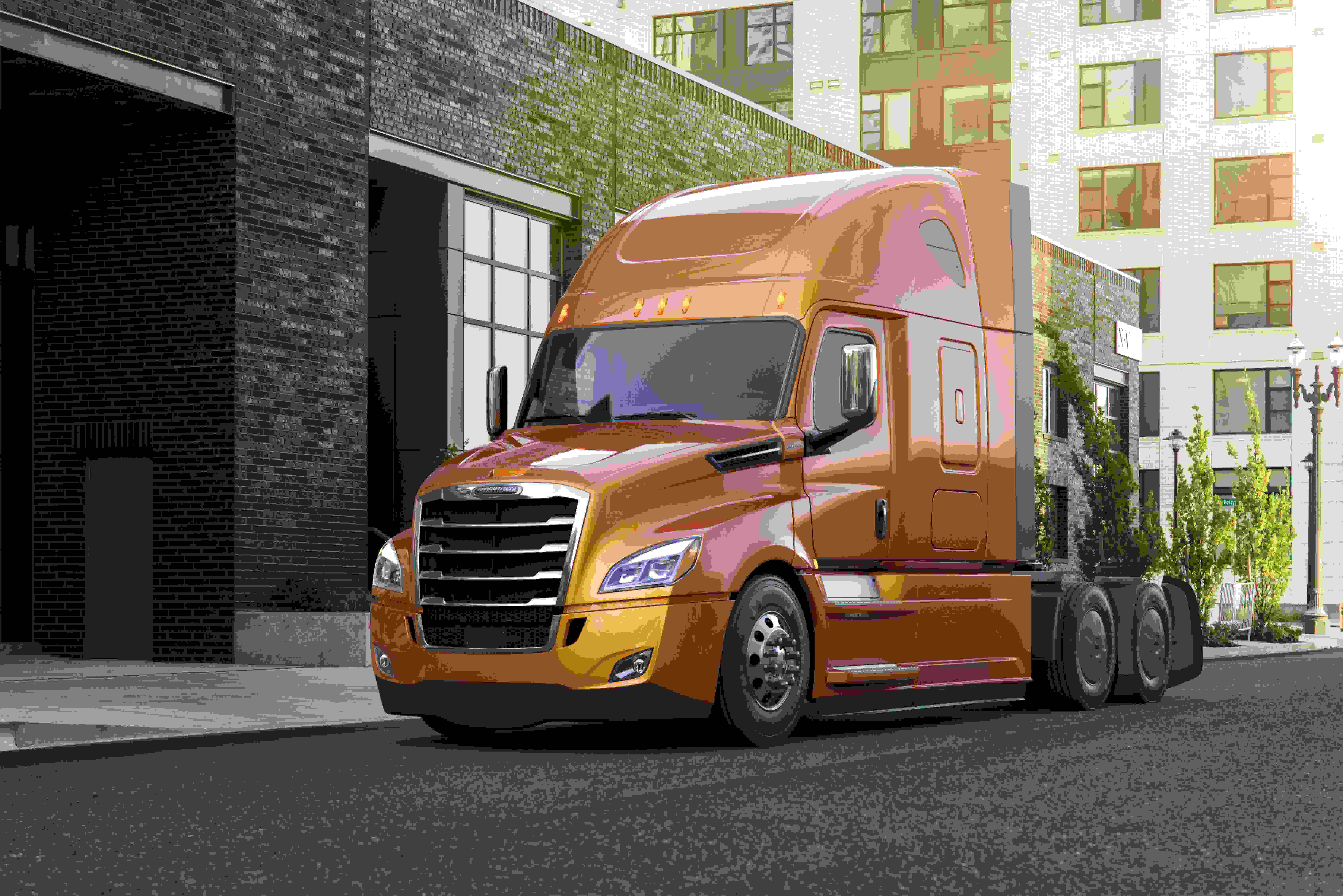 Freightliner adds new sleeper option to Cascadia trucks