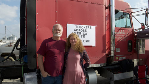 Trucking Couple Protests ELD Mandate