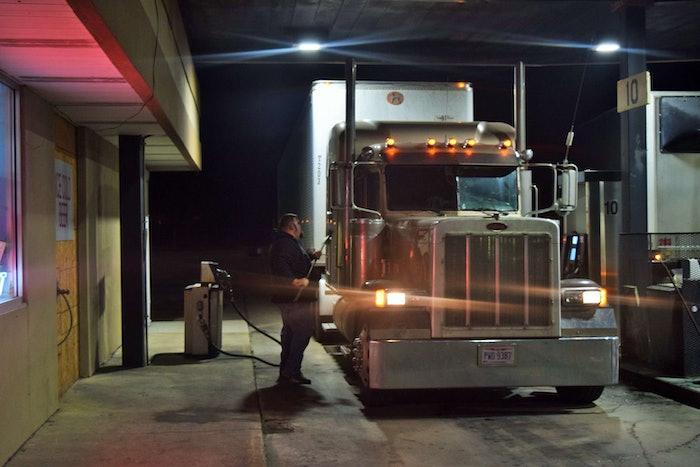 fueling-truck-stop-2018-01-22-15-37