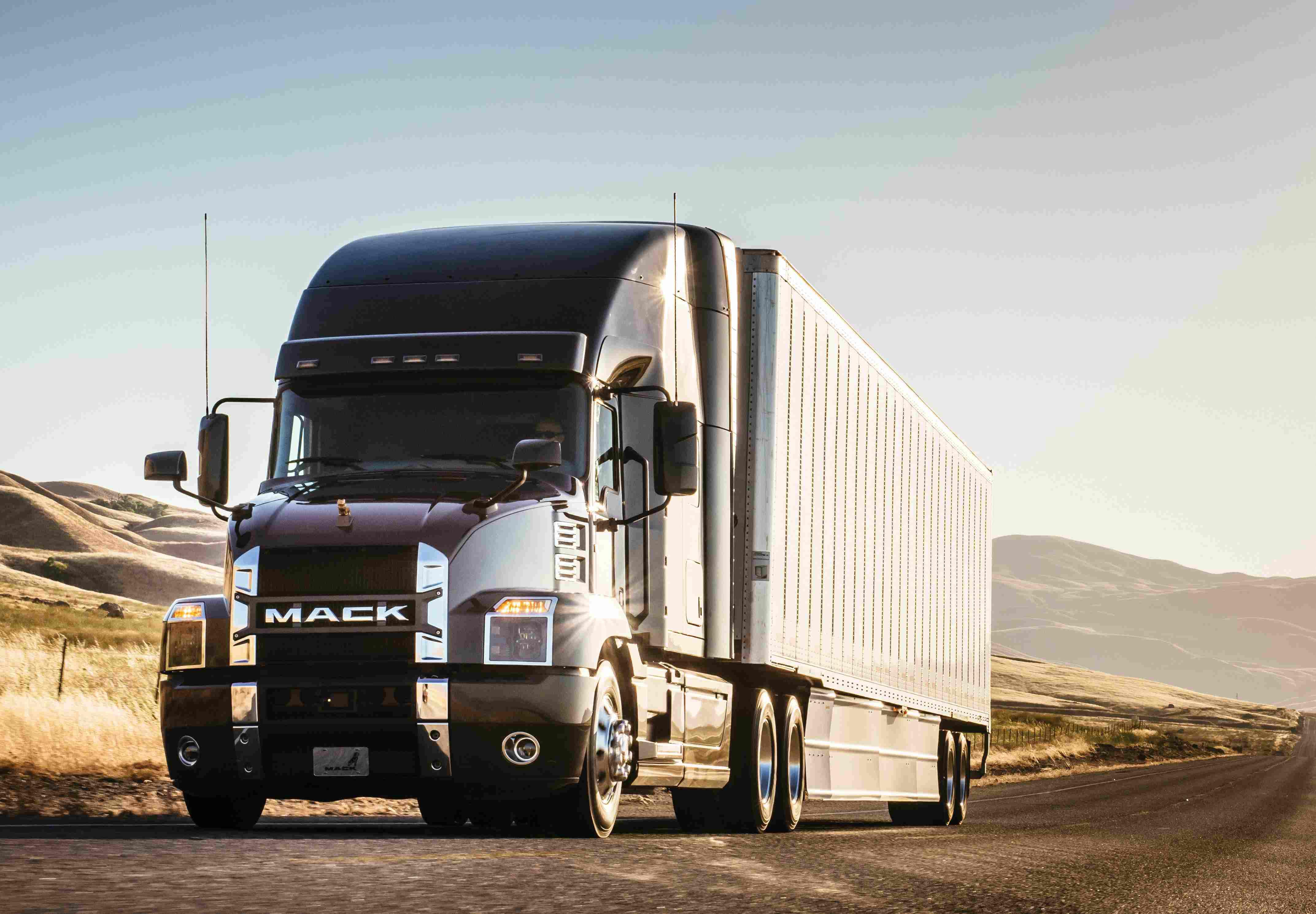 Mack Trucks Highlights The Anthem S Fuel Economy Gains