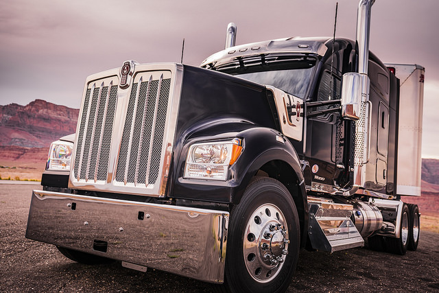 2018's Top 10 Trucking Industry Stories on CCJ