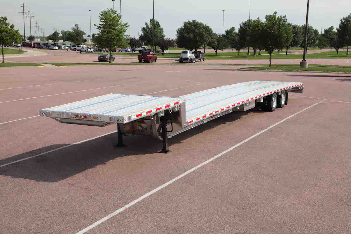 Step Deck Trailer >> Trail King Recalls Step Deck Trailers For Cracking Issues