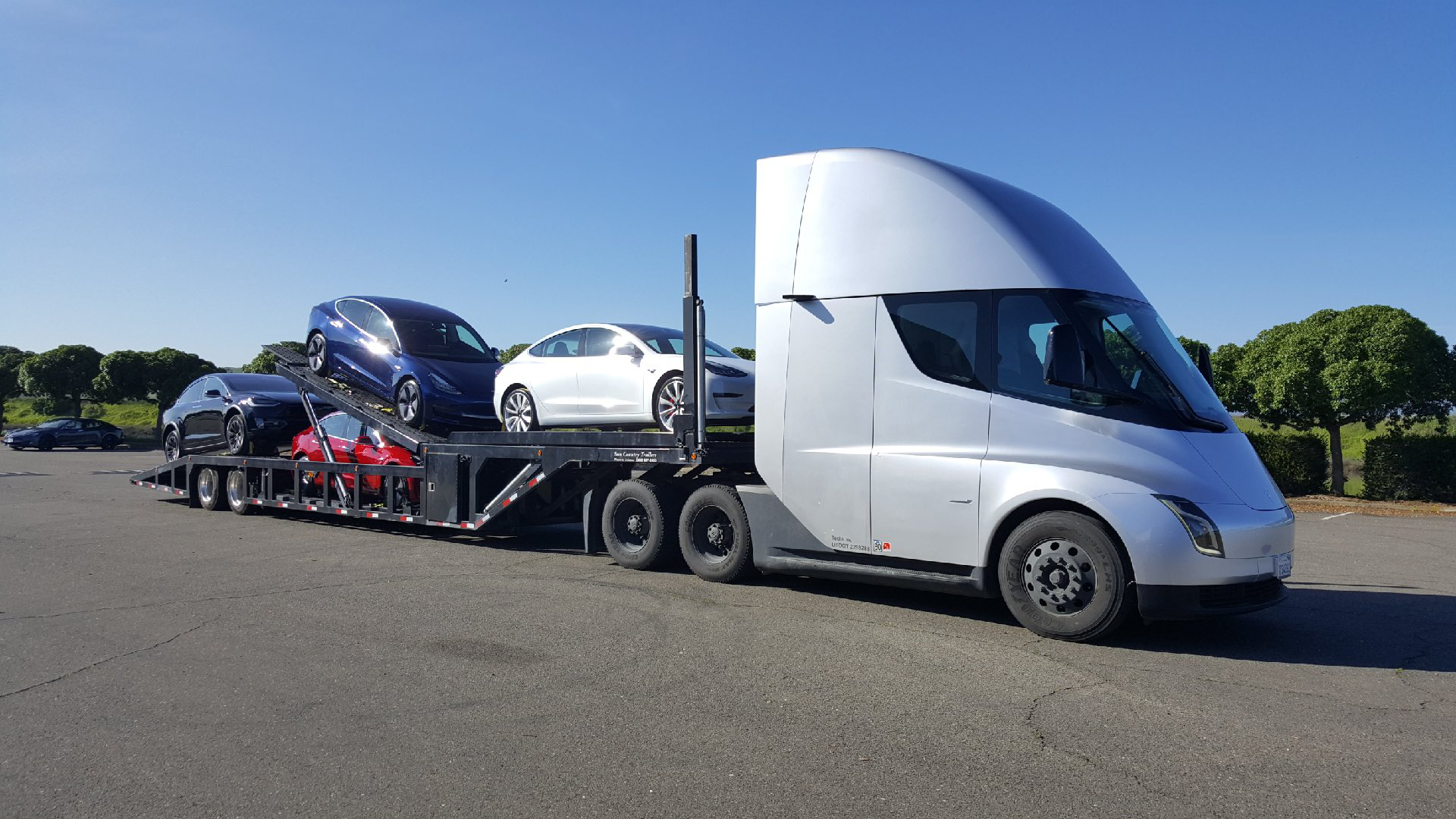 Tesla's electric semi-truck production on pace for next year