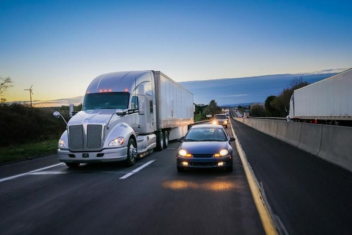 hours truck highway-2020-03-03-08-32