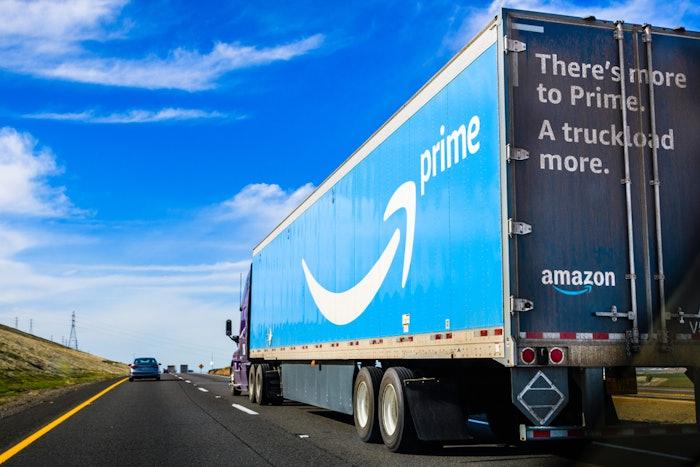 amazon-truck-highway-2020-05-19-13-30