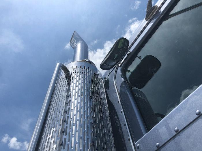 trucking-exhaust-2021-01-13-06-44