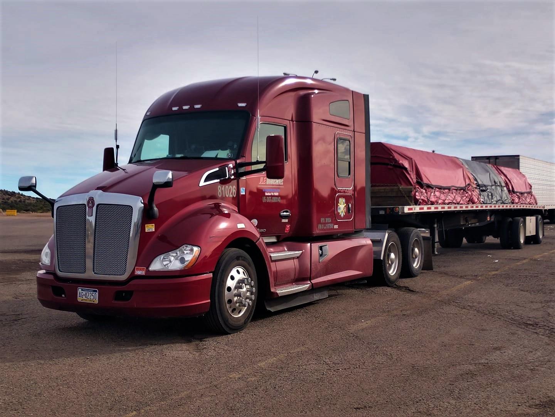 JLE Industries a été fondée en 2015 par un «étranger» Evan Pohaski avec un investissement dans la Silicon Valley.  Il est passé à 385 camions.