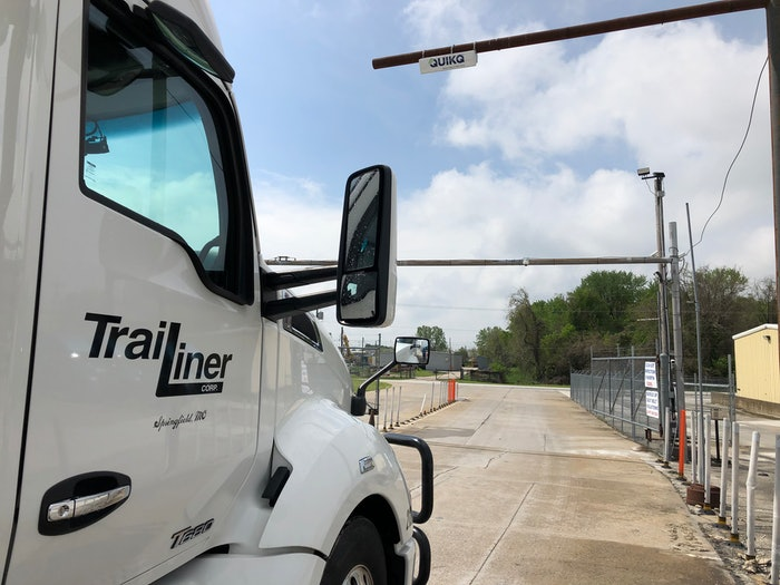 Trailiner semi truck